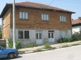 Къща с двор за продажба в района на обл. Силистра, 220кв.м,   € 23000