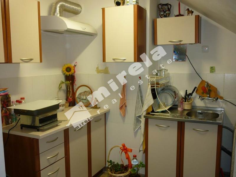 Продава етаж от къща в кв. Металург, град Враца, 113.2кв.м,   € 51000