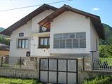 Продава къща в района на община Златица, 240кв.м,   € 59000