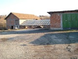 Терен с хале за продажба в близост до София, района на Челопеч, 7000кв.м,   € 47700