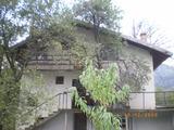 Къща в подножието на Стара планина, на 25 км от Троян, 350кв.м,   € 28000