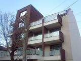 Просторен нов тристаен апартамент за продажба в кв. Бели брези, 123кв.м (застроена площ + идеални части),   € 140000