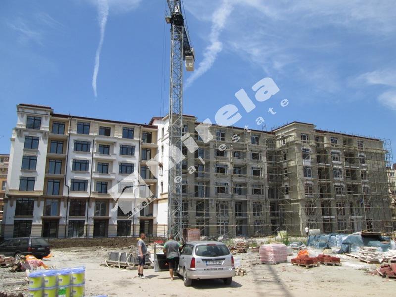100 Floors Stage 42