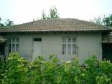 Продава стара къща на 48 км по магистралата Варна - София, на 20 мин. от летище Варна, село Невша, 60кв.м (застроена площ + идеални части),   € 9900