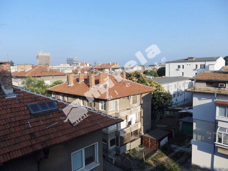 For Sale 2 Bedrooms City Of Bourgas Vazrazhdane 75 Sq M